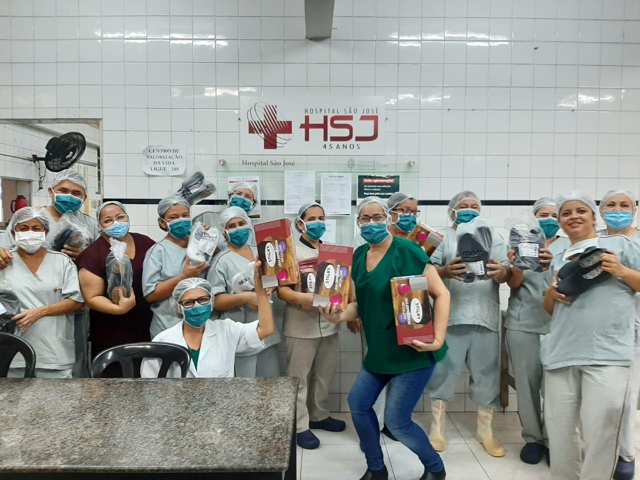 Hospital São José recebe doações de sapatos para os profissionais